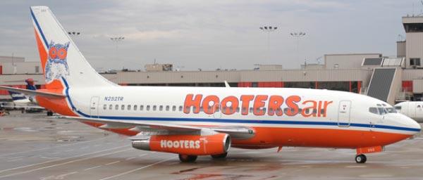 Hooters Air