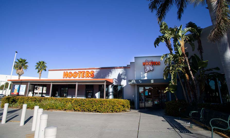 Hooters - St. Petersburg, Florida - Tyrone Square Mall